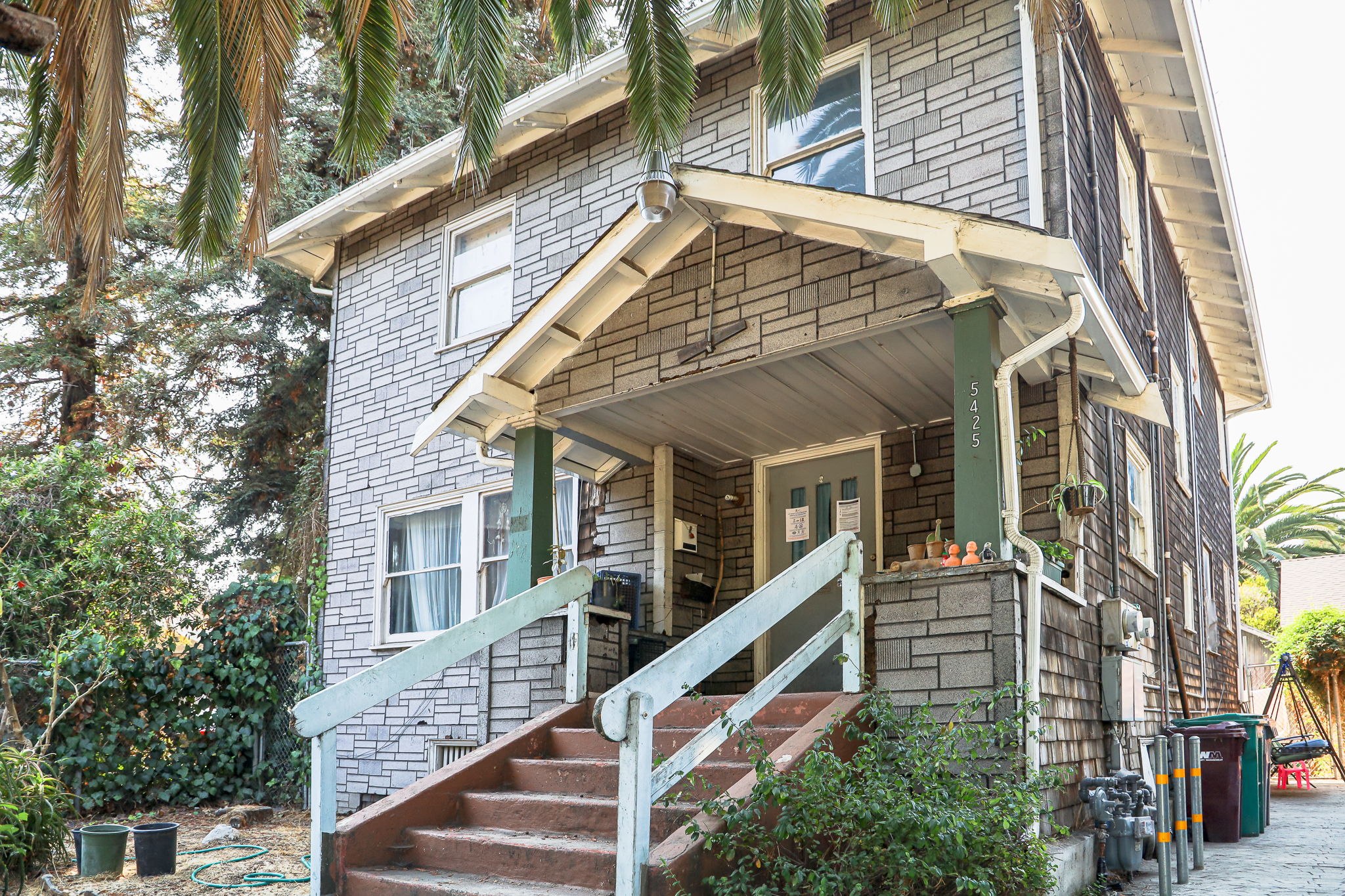 Pending Sale with Darryl Glass: 5425 Shattuck Avenue, Oakland, CA 94609